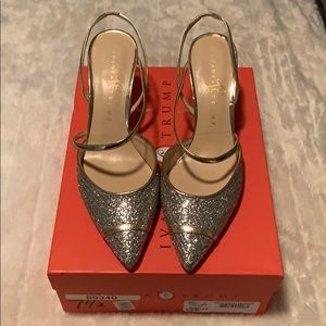 Ivanka Wedding Gold Glitter pointy pump heel 7.5